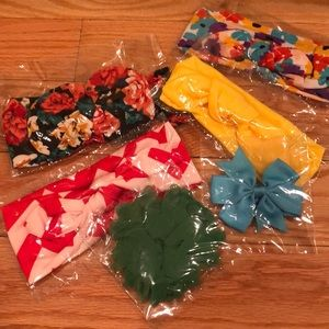 6-pack bows: multicolored. Never used